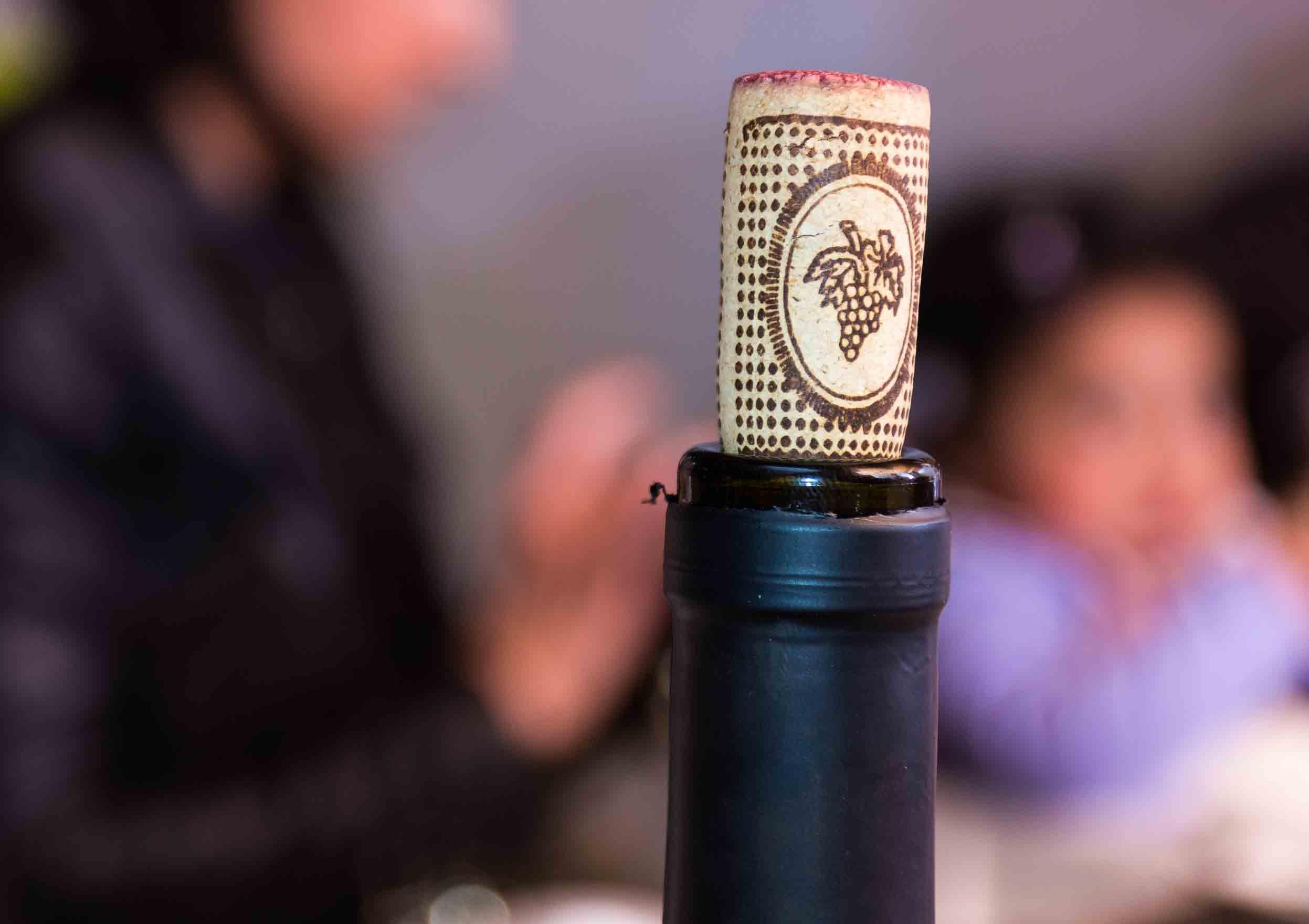 Hoe wijn bewaren na openen van de fles